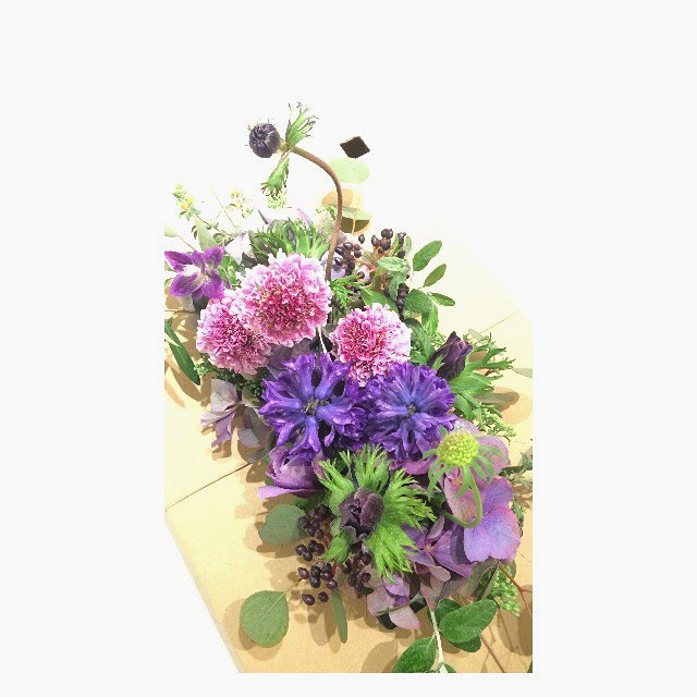 今日の花バースデイに。#flower #purple #arrangement #birthday #terre #flowershop #kochi