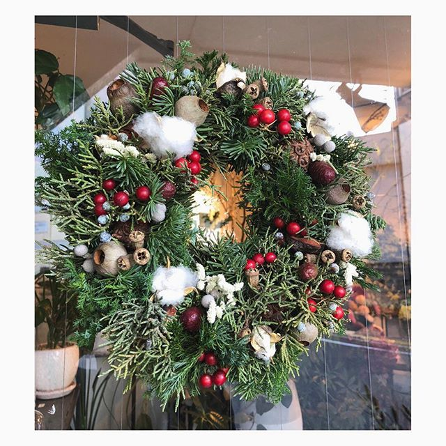 コニファーのリース.#flower #wreath #conifer #christmas #terre #terreplant #flowershop #花屋